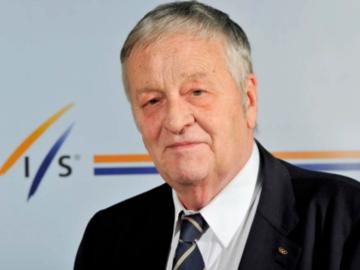 Visszavonul a FIS elnöke