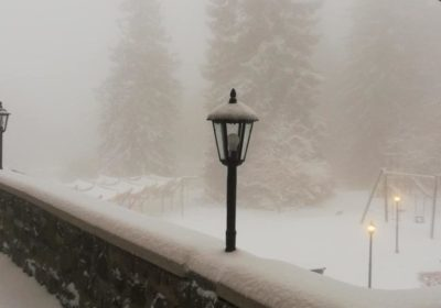 A Mátrában sokak meglepetésére ma is havazott