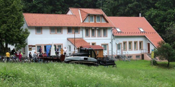Átadás: 46 millió forint kormányzati támogatással megújult a Bánkúti Síklub