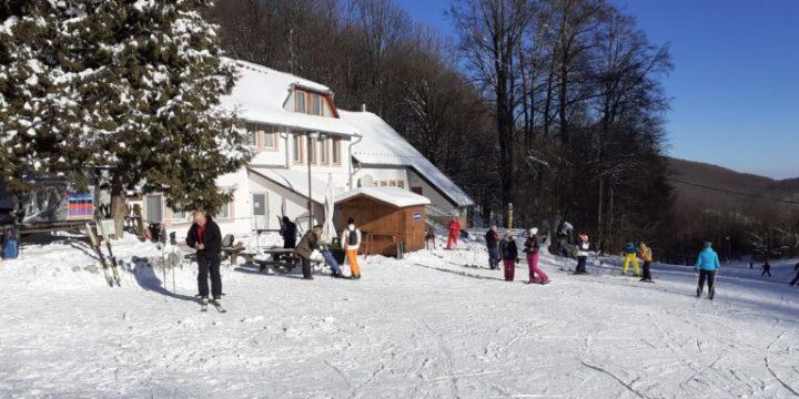 Közel 20 cm hó hullott Bánkúton
